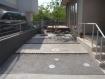 土間コンクリートと一発洗出し仕上げの駐車場
