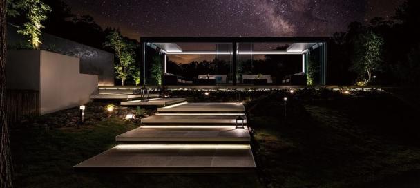ガーデンアネックス 夜