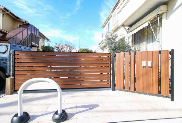 車庫ゲートと門扉