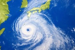台風10号雲画像